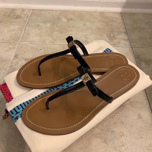Tory Burch Shoes - Tory Burch black Leighanne thong sandal